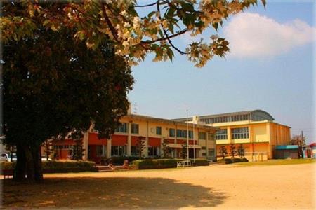 町立小坂小学校